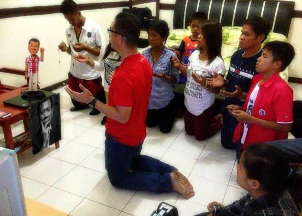 Supporters deifying Duterte